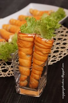 my passions: Carrots with shortcrust pastry stuffed with salad Easter Recipes, Brunch Recipes, Malaysian Dessert, Pizza Snacks, Food Picks, Food Garnishes, Indian Street Food, Small Meals, Food Decoration