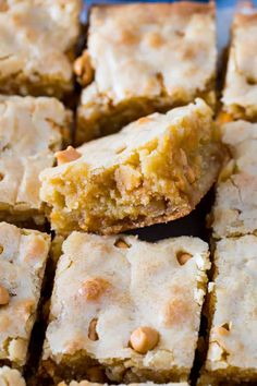 BLONDIES -- made w/o chocolate; -a great spin off of classic brownies & take only minutes to mix together! *~* remind me of Congo Bars, -I first made while in high school, so many years ago .but these have butter-scotch. Chocolate Toffee Bars, Butterscotch Blondies, Caramel Bars, Cookie Desserts, Just Desserts, Dessert Recipes, Cookie Bars, Bar Cookies, Lemon Cookies