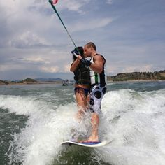 I want a picture like  this Wake surfing