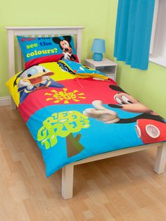 Mickey Mouse bedroom furniture is well-known and amusing animal cartoon character in 1928 made form the Walt Disney Studios. Many people especially Mickey Minnie Mouse, Mickey Mouse Bedroom, Mickey Disney, Walt Disney, Childrens Bedroom Decor, Bedroom Decor For Teen Girls, Bedroom Themes, Childrens Rooms, Duvet