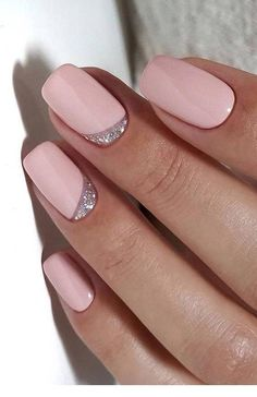 Semi-permanent varnish, false nails, patches: which manicure to choose? - My Nails Shellac Nails, Pink Nails, Nail Polish, Matte Pink, Classy Nails, Stylish Nails, Hair And Nails, My Nails, Pinterest Nail Ideas