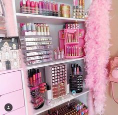 Makeup storage bedroom, makeup room diy, makeup desk, makeup rooms, d My New Room, My Room, Sala Glam, Make Up Tisch, Rangement Makeup, Make Up Storage, Storage Ideas, Diy Storage, Vanity Room