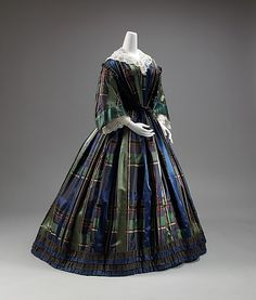 via The Costume Collection of The Metropolitan Museum of Art 1850s Fashion, Victorian Fashion, Vintage Fashion, Antique Clothing, Historical Clothing, Vintage Gowns, Vintage Outfits, Scottish Dress, Civil War Fashion