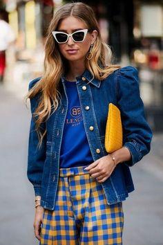 ideas for fashion week street style denim coats Denim Fashion, Look Fashion, Fashion Outfits, Womens Fashion, Fashion Design, Blue Fashion, Street Fashion, Fashion Clothes, Spring Fashion