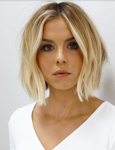 Bob Hairstyles middle part Short Bob Middle Parted Natural Straight Human Hair Wig Angled Bob Hairstyles, Blonde Bob Hairstyles, Blonde Wavy Hair, Bob Hairstyles For Fine Hair, Hairstyles Haircuts, Bob Haircut For Fine Hair, Haircut Bob, Hairstyle Short, Straight Bob Haircut