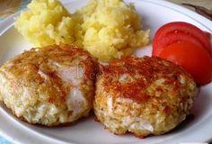 Šunkový salám nakrájíme nadrobno, tvrdý sýr nastrouháme na jemném struhadle, přidáme 2 vejce, hořčici, prolisovaný česnek, koření a strouhanku podle Mince Recipes, Snack Recipes, Cooking Recipes, Snacks, Czech Recipes, Russian Recipes, No Salt Recipes, Chicken Recipes, Y Recipe