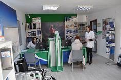 Ortopedica Alexandria- aici vă puteți consulta cu specialiștii noștri, care vă pot da cel mai bun sfat in alegerea produsului potrivit: ciorapi medicinali, papuci medicinali, genunchiere, burtiere, orteze, saltea antiescare, scaun cu rotile, guler cervical, brâu, cadru de mers, încălțăminte ortopedică, talonete, cârje, lombostat, orteze, proteze, infiltrații vâscoelastice, corsete, proteze mamare, glezniere, diferite tipuri de fașă elastică și multe altele.