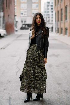 December Fashion Inspiration: 10 Stylish Outfit Ideas - Home Mode Outfits, Skirt Outfits, Stylish Outfits, Dress Skirt, Pleated Skirt, Lace Dress, Fashion Moda, Look Fashion, Winter Fashion