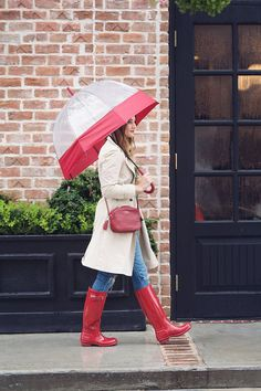 Wondering what to wear on a rainy day with all the recent summer showers? Don't worry, we have you covered with this red umbrella and rain boots combo. Boots Hunter, Hunter Outfit, Cute Rain Boots, Wellies Rain Boots, Snow Boots, Beautiful Outfits, Cute Outfits, Trendy Outfits, Fashion Outfits