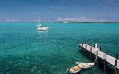 A 40 km a Sudoeste de Nassau, capital das Bahamas, está o arquipélago de Exuma com suas ilhas de beleza ainda virgem, com corais e animais de raros.