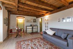 Dai un'occhiata a questo fantastico annuncio su Airbnb: Lovely apt in a Ancient Farmhouse 9 - Bed & Breakfast for Rent