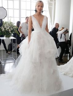 The Biggest Wedding Dress Trends From Spring 2018 Bridal Fashion Week - Trendy Tiers Marchesa