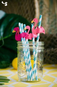 Super cute DIY Flamingo Straws