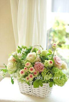 『バスケットいっぱいのお花で笑顔になって頂けたら』