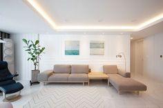 Luxury penthouses in Paris Apartment Interior, Apartment Design, Interior Design Living Room, Modern Interior, Living Room Modern, Home Living Room, Living Area, Living Room Decor, Room Colors