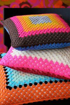 about – Granny Square Art Au Crochet, Crochet Box, Love Crochet, Learn To Crochet, Crochet Crafts, Crochet Projects, Crochet Cushion Cover, Crochet Cushions, Crochet Pillow