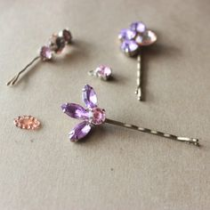 Make make these super easy gemstone bobby pins!