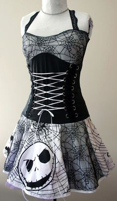 Nightmare Before Christmas spiderweb corset dress : handmade diy punk clothes… Robes Disney, Looks Style, My Style, Goth Style, Jack The Pumpkin King, Look Dark, Punk Outfits, Visual Kei, Gothic Fashion