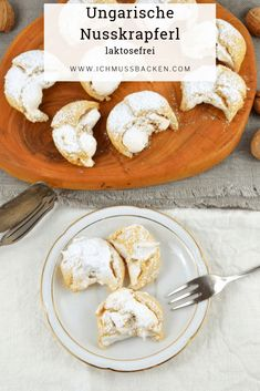Ungarische Nusskrapferl - luftig und lecker - Ich muss backen - Try These 8 Traditional Mexican Dishes Italian Pastries, Italian Desserts, Italian Recipes, Mexican Food Recipes, Beignets, Baking Recipes, Cookie Recipes, Tartiflette Recipe, Taiwanese Cuisine