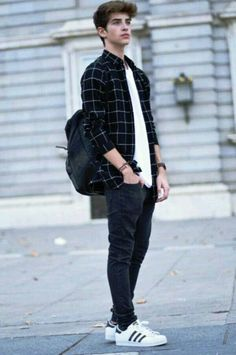 Trendy Fashion Teenage Boy High Schools Ideas fashion photography fashion photography behind Outfit Hombre Casual, Dress Casual, Casual Shoes, Casual Jeans, Men Casual, Stylish Men, Classy Casual, Casual Trends, Stylish Tops