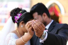 An online wedding is the latest trend, and it can be truly special! Find out how you can celebrate your big day virtually and make it one to remember. Free Wedding, Wedding Book, Wedding Day, Wedding Photography Styles, Candid Photography, Sarcastic Jokes, Special Prayers, Bride Getting Ready, Wedding Function