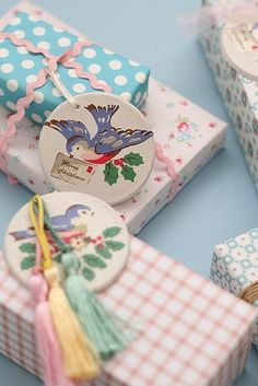 ✂ That's a Wrap ✂ diy ideas for gift packaging and wrapped presents - sweet gingham, birds & tassels