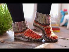 Crochet Shoes, Diy Crochet, Crochet Dolls, Crochet Bikini, Baby Knitting Patterns, Crochet Patterns, Step By Step Crochet, Diy Clothes Videos, Knitted Slippers