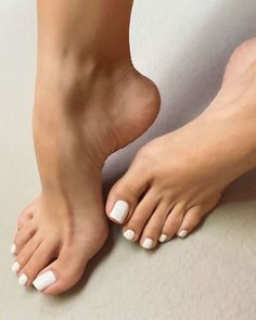 White Toenails, Black Toe Nails, Pretty Toe Nails, Cute Toe Nails, Pretty Toes, French Toe Nails, Foot Pics, Foot Pictures, Nice Toes