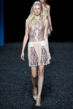 Mary Katrantzou Spring 2015 Ready-to-Wear Fashion Show - Nastya Sten