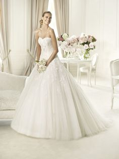 50 best wedding dresses for 2013 – Part 1 – Fall in love with lace!
