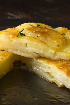 Crisp Potato Cake (Galette de Pomme de Terre) A well-seasoned cast-iron pan is ideal for making this easy, comforting side dish Make sure the potatoes are sliced thin, and dry them well before assembling the dish This will ensure full crispiness. Vegetable Dishes, Vegetable Recipes, Vegetarian Recipes, Cooking Recipes, Easy Cooking, Potato Dishes, Potato Recipes, Side Dish Recipes, Side Dishes