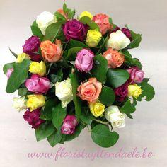 """Colorful mixed roses"" Vanaf volgende week ook in onze webshop te verkrijgen.  www.floristuyttendaele.be www.floristingent.be"