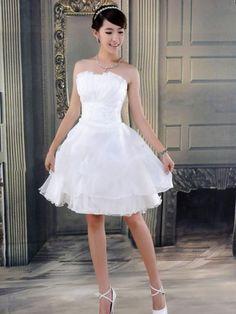 Vestido de noiva curto                                                                                                                                                                                 Mais