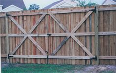 Wood Double Drive Gate with Wood Frame.jpg 320×201 pixels
