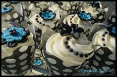 Sugar+Flowers+for+Wedding+Cupcakes | Turquoise and Black Wedding Cupcakes | cupcakes2delite