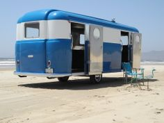 Trendy Retro Campers For Sale Summer Road Trips 30 Ideas Classic Trailers, Tiny Trailers, Vintage Campers Trailers, Vintage Caravans, Trailers For Sale, Camper Trailers, Retro Campers For Sale, Old Campers, Airstream