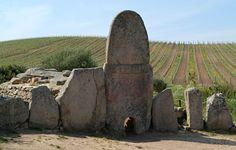 #chivodafone può visitare la tomba dei giganti di Coddu Vecchiu e navigare da #Arzachena con la rete 4G:  http://www.sardegnacultura.it/j/v/253?s=20737=2=2488=2130=1
