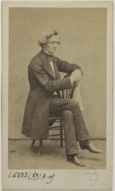 Romantic Composers, Hector Berlioz, Victorian Fashion, Old Photos, Musicians, Men's Fashion, Gifs, Photographs, Art