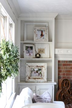 so many great tips about simplifying/de-cluttering and still having photos up in your home