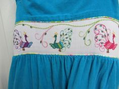 This is so creative, with all the stem and outline stitches.... by beaux et belles