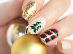 20 Fabulous Christmas Nail Art Tutorials That Are Simply Genius!