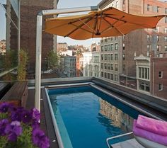 NYC Rooftop Pool. Another creative way to use minimal space.