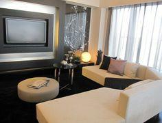 インテリアコーディネート リビングルーム|TVボードのライトが高級感をさらに際立てます。