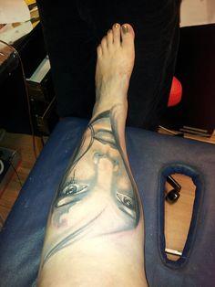 Women face tattoo leg -black&gray* www.redzonetattoo.cz