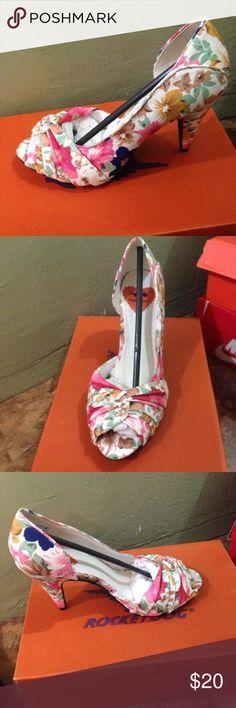Floral pumps Brand new Shoes Heels
