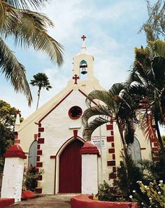 The beautiful Rivière Dorée Catholic Church in Choiseul My Father's House, Old Churches, Catholic Churches, Cathedral Church, Win A Trip, Church Building, Chapelle, Place Of Worship, Beautiful Islands