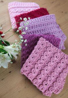 Strikk knæsje kluter med falske fletter - Søstrene Miljeteig Diy And Crafts, Knit Crochet, Winter Hats, Blanket, Knitting, Decor, Crocheting, Education, Threading
