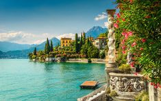 48 hours in. . . Lake Como, an insider guide to Italy's ritziest region Lac Como, Kit Pintura, Week End En Amoureux, Comer See, Lake Como Italy, Italian Lakes, Beaux Villages, Seen, Northern Italy