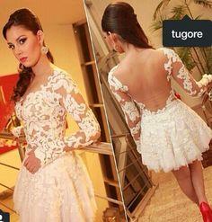 Vestido de noiva curto. Vestido de renda