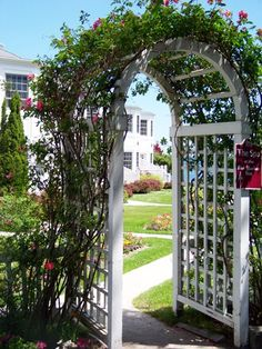 Bar Harbor Inn and Spa gardenz | Home Packages & Deals Suppliers Destinations Read it Online! Advertise ...